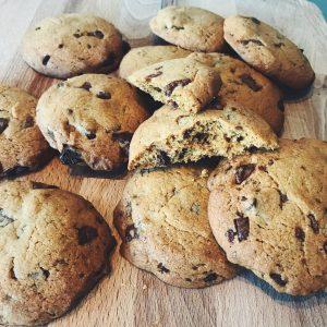 Cookies, crunchy en zacht tegelijk. Chocolade naar keuze